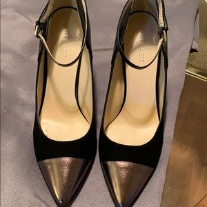 Black and Gold Suede Pumps